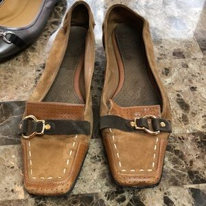 Cole Haan/ Nike Air Loafers almost slippers